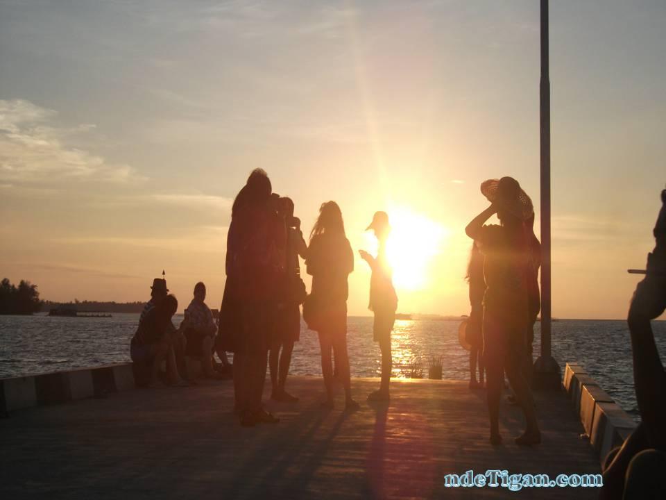 sunset di dermaga Karimun