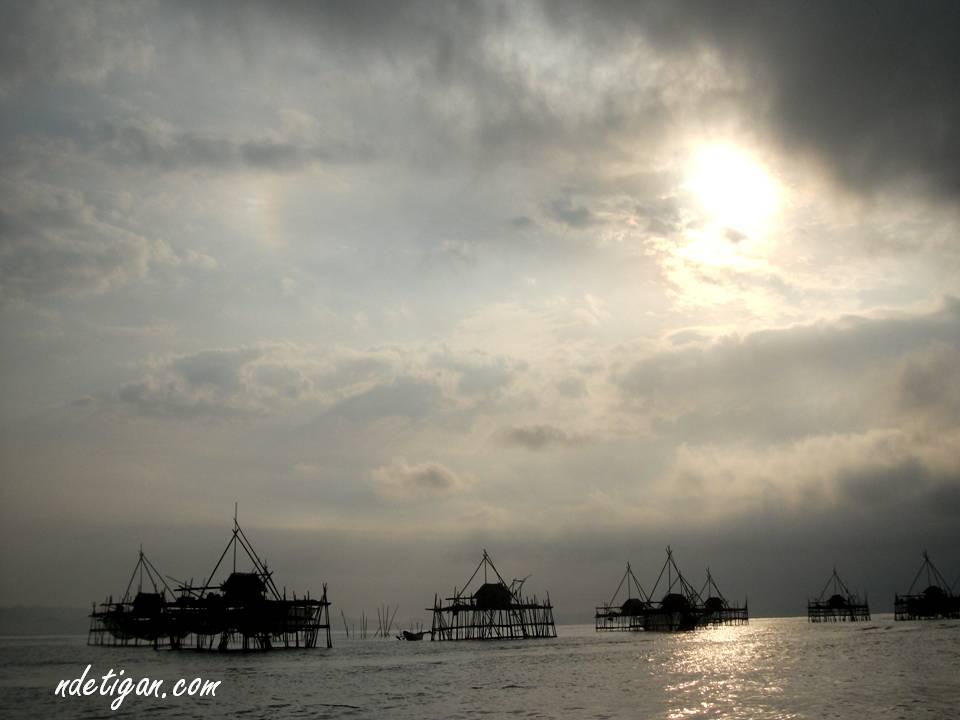 Pagi di Pantai Timur Pangandaran